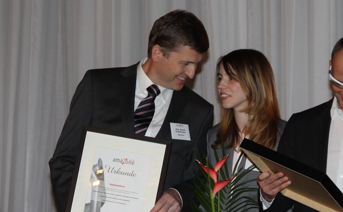 Urkundenverleihung beim amaZone Award 2013